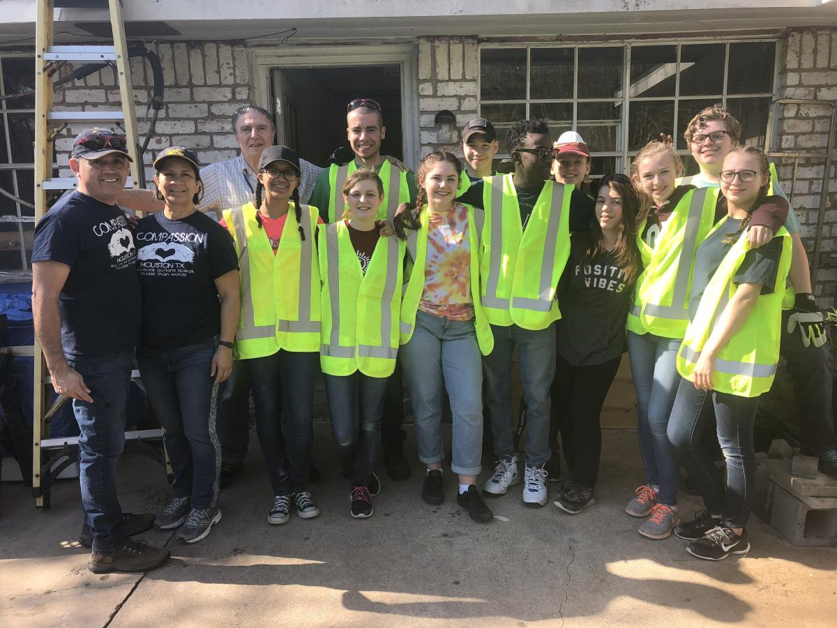Highland View Academy students serve in Houston.
