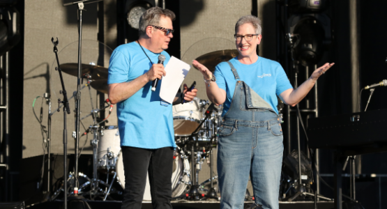 WGTS afternoon hosts, Johnny and Stacey Stone, welcome a live audience to the MercyMe concert.