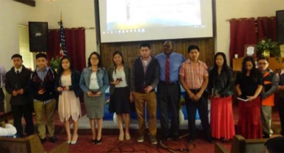 Jovenes predicadores y bautizados