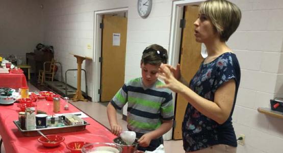 Nicole Toledo assists Lunchbox Makeover presenter Liz McLennan