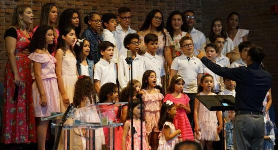 Grow'n Praise children's choir commemorates the 20-year anniversary of the Capital Brazilian Temple in song.